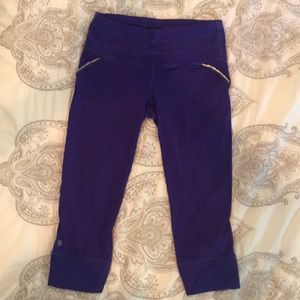 Athleta Capri Length Yoga Running Legging Tights